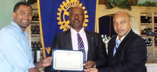 Gibson Speaks To Rotary On Labour Relations