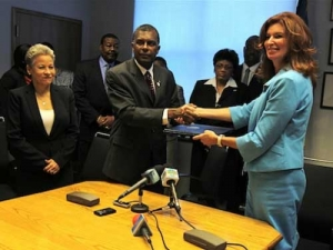 Bahamas, U.S. Sign Memorandum on TSA Pre-Clearance